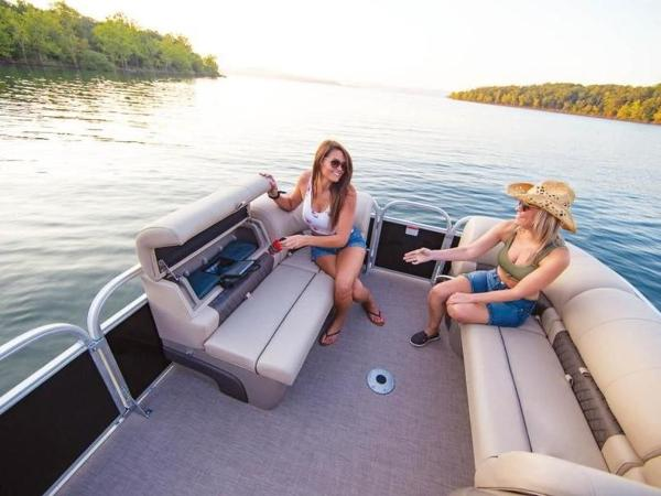 2020 Sun Tracker boat for sale, model of the boat is PARTY BARGE® 22 RF DLX & Image # 33 of 56