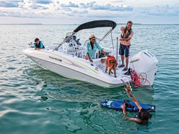 2018 Tahoe boat for sale, model of the boat is 2150 CC & Image # 13 of 77