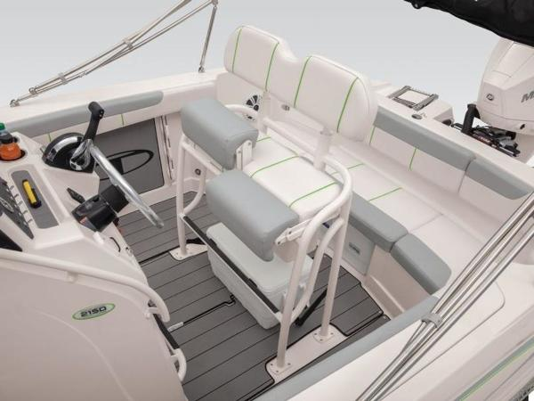 2018 Tahoe boat for sale, model of the boat is 2150 CC & Image # 17 of 77