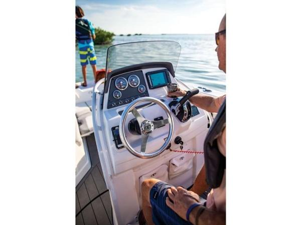 2018 Tahoe boat for sale, model of the boat is 2150 CC & Image # 76 of 77