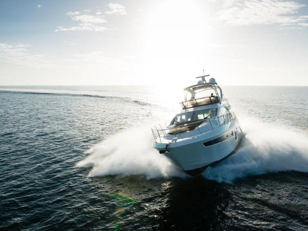 2020 Sea Ray boat for sale, model of the boat is L590 Fly & Image # 4 of 66