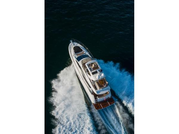 2020 Sea Ray boat for sale, model of the boat is L590 Fly & Image # 11 of 66