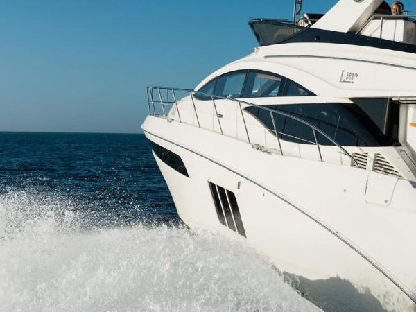 2020 Sea Ray boat for sale, model of the boat is L590 Fly & Image # 22 of 66