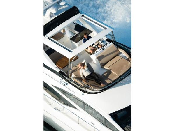 2020 Sea Ray boat for sale, model of the boat is L590 Fly & Image # 47 of 66
