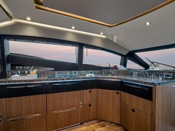 2020 Sea Ray boat for sale, model of the boat is L590 Fly & Image # 49 of 66