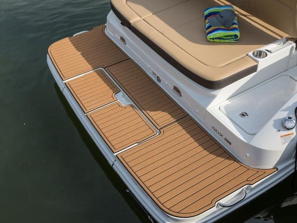 2020 Sea Ray boat for sale, model of the boat is SDX 250 & Image # 10 of 19