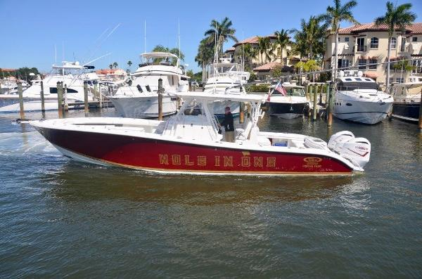 2012 39' Yellowfin 39 Center Console