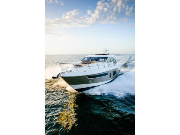 2020 Sea Ray boat for sale, model of the boat is L650 & Image # 15 of 39
