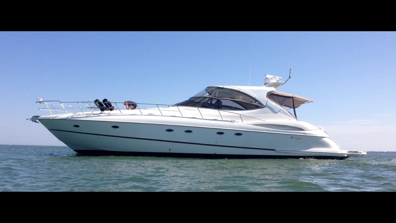 54 ft Cruisers Yachts 5470 Express