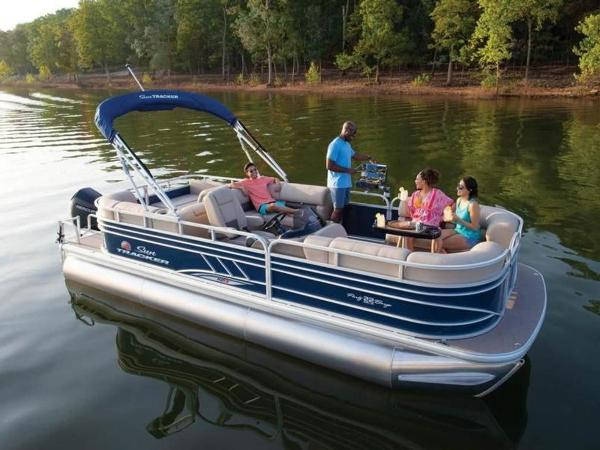 2020 Sun Tracker boat for sale, model of the boat is PARTY BARGE® 22 RF XP3 & Image # 4 of 63