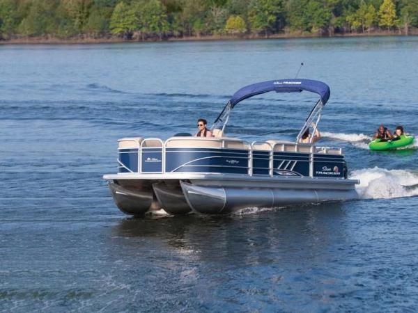 2020 Sun Tracker boat for sale, model of the boat is PARTY BARGE® 22 RF XP3 & Image # 7 of 63