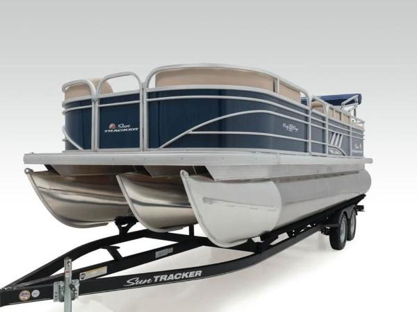2020 Sun Tracker boat for sale, model of the boat is PARTY BARGE® 22 RF XP3 & Image # 9 of 63