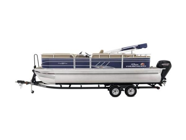2020 Sun Tracker boat for sale, model of the boat is PARTY BARGE® 22 RF XP3 & Image # 10 of 63
