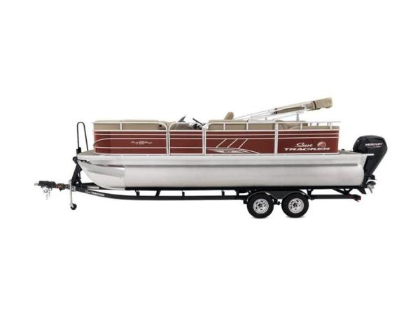 2020 Sun Tracker boat for sale, model of the boat is PARTY BARGE® 22 RF XP3 & Image # 11 of 63