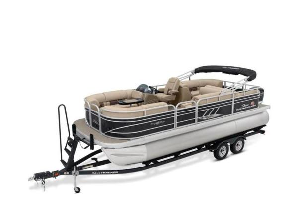 2020 Sun Tracker boat for sale, model of the boat is PARTY BARGE® 22 RF XP3 & Image # 12 of 63