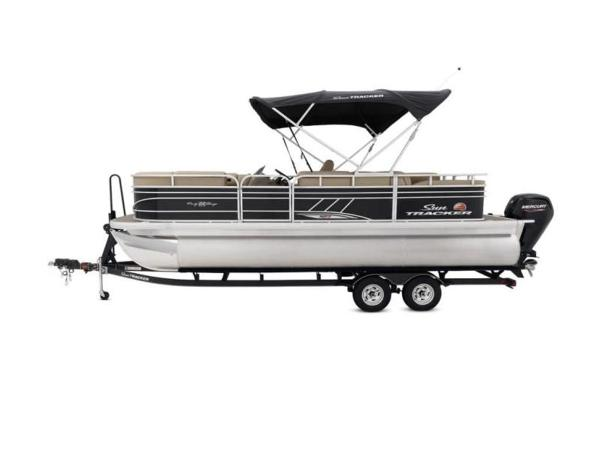 2020 Sun Tracker boat for sale, model of the boat is PARTY BARGE® 22 RF XP3 & Image # 15 of 63