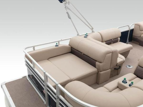 2020 Sun Tracker boat for sale, model of the boat is PARTY BARGE® 22 RF XP3 & Image # 21 of 63