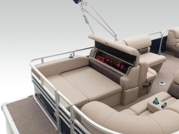 2020 Sun Tracker boat for sale, model of the boat is PARTY BARGE® 22 RF XP3 & Image # 25 of 63