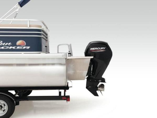 2020 Sun Tracker boat for sale, model of the boat is PARTY BARGE® 22 RF XP3 & Image # 29 of 63