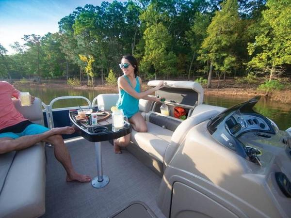 2020 Sun Tracker boat for sale, model of the boat is PARTY BARGE® 22 RF XP3 & Image # 39 of 63