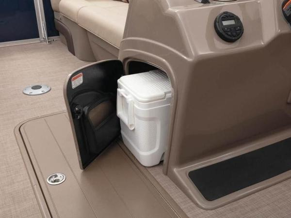 2020 Sun Tracker boat for sale, model of the boat is PARTY BARGE® 22 RF XP3 & Image # 49 of 63