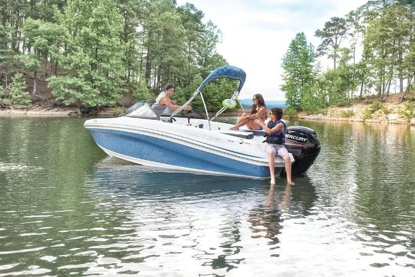 2019 Tahoe boat for sale, model of the boat is 450 TS & Image # 3 of 29