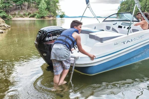 2019 Tahoe boat for sale, model of the boat is 450 TS & Image # 25 of 29