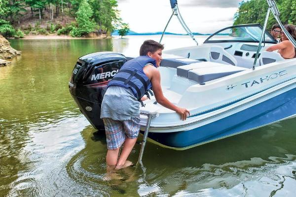 2019 Tahoe boat for sale, model of the boat is 450 TS & Image # 26 of 29