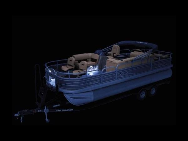 2020 Sun Tracker boat for sale, model of the boat is FISHIN' BARGE® 22 XP3 & Image # 10 of 64