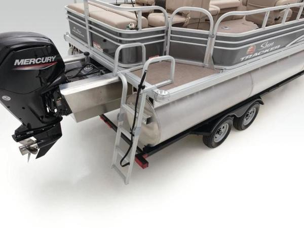 2020 Sun Tracker boat for sale, model of the boat is FISHIN' BARGE® 22 XP3 & Image # 27 of 64