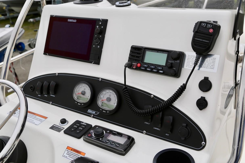 2017 Boston Whaler 190 Outrage