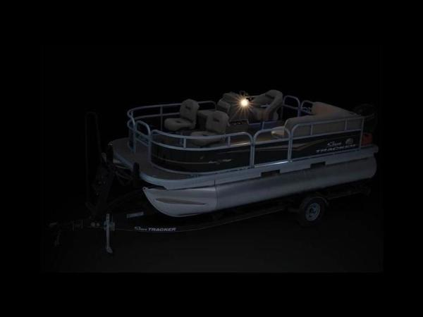2020 Sun Tracker boat for sale, model of the boat is Bass Buggy® 16 XL & Image # 10 of 29