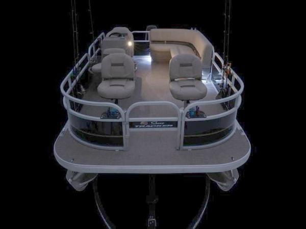 2020 Sun Tracker boat for sale, model of the boat is Bass Buggy® 16 XL & Image # 21 of 29