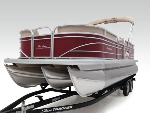 2020 Sun Tracker boat for sale, model of the boat is PARTY BARGE® 22 XP3 & Image # 25 of 58
