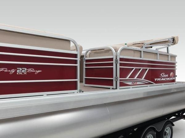 2020 Sun Tracker boat for sale, model of the boat is PARTY BARGE® 22 XP3 & Image # 31 of 58