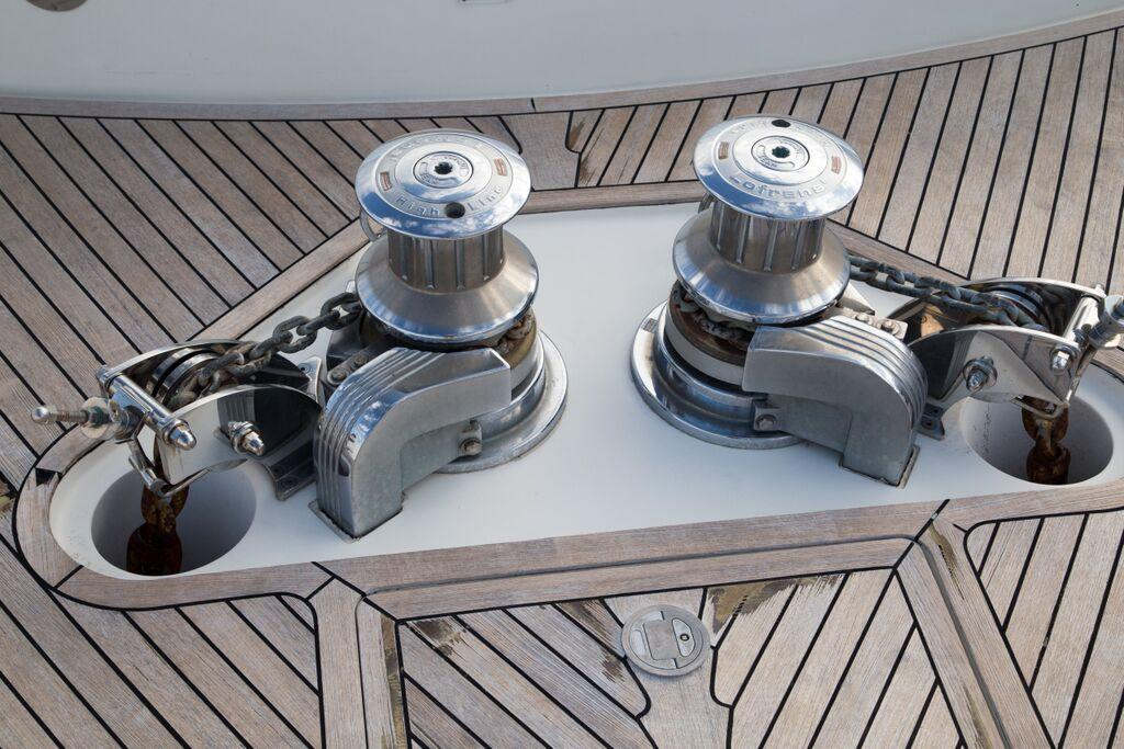 Dual Anchor Windlass