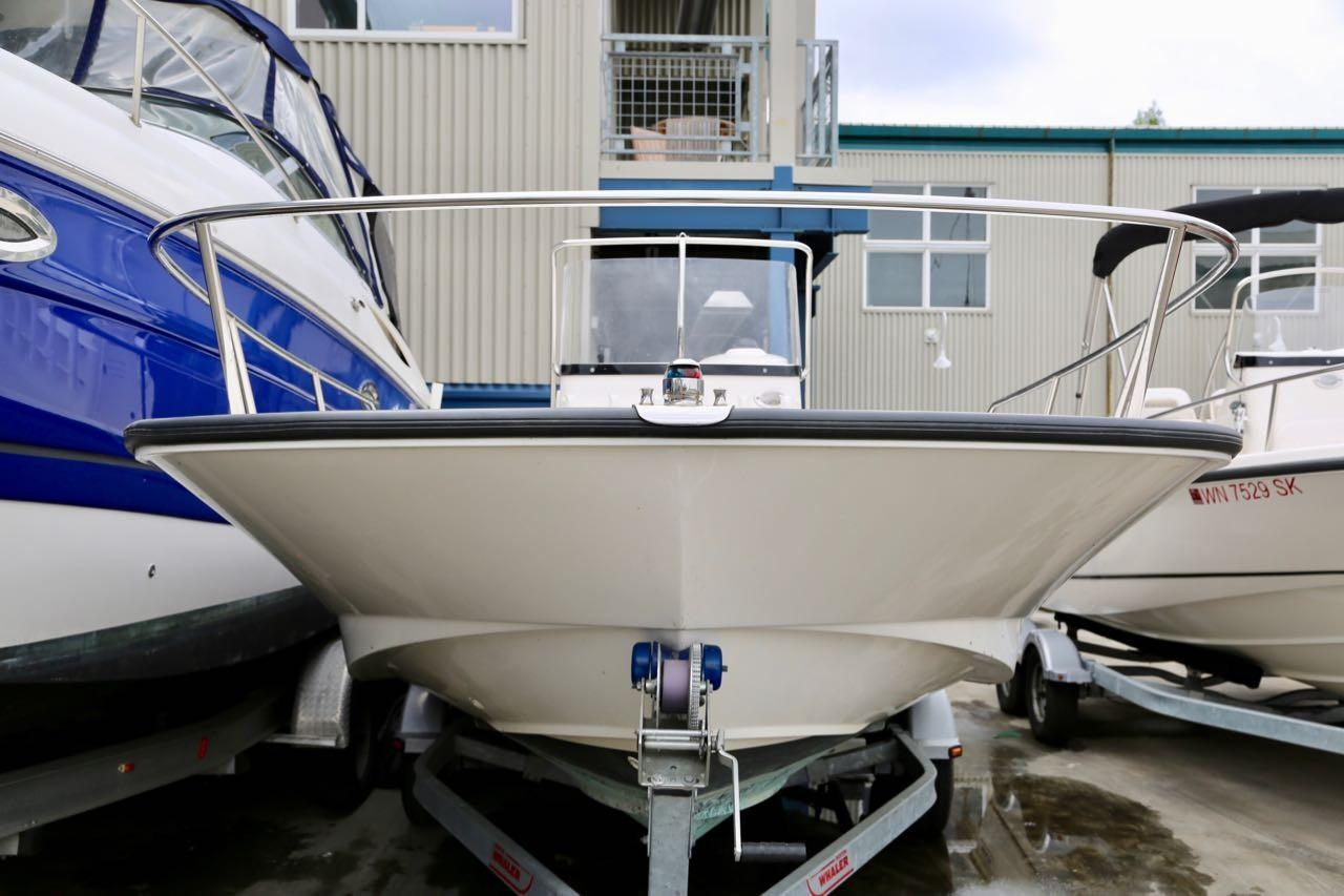 2013 Boston Whaler 210 Montauk