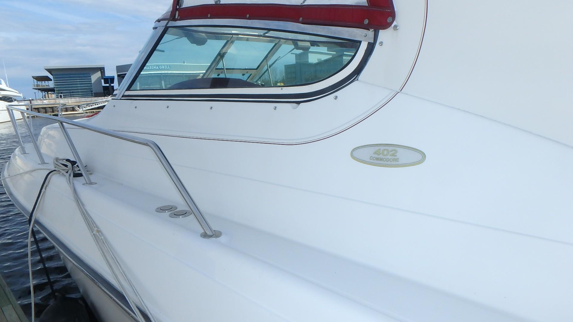 Regal 402 Commodore - Photo: #10