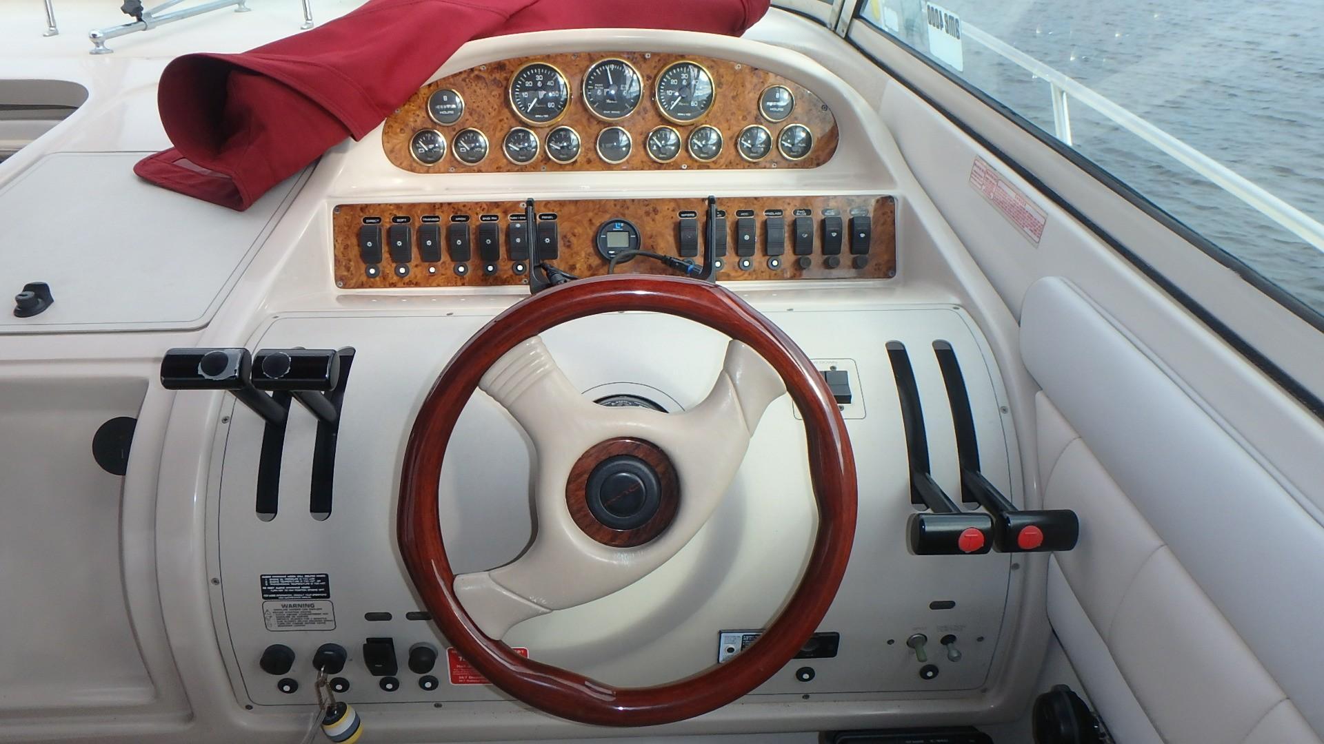 Regal 402 Commodore - Photo: #22