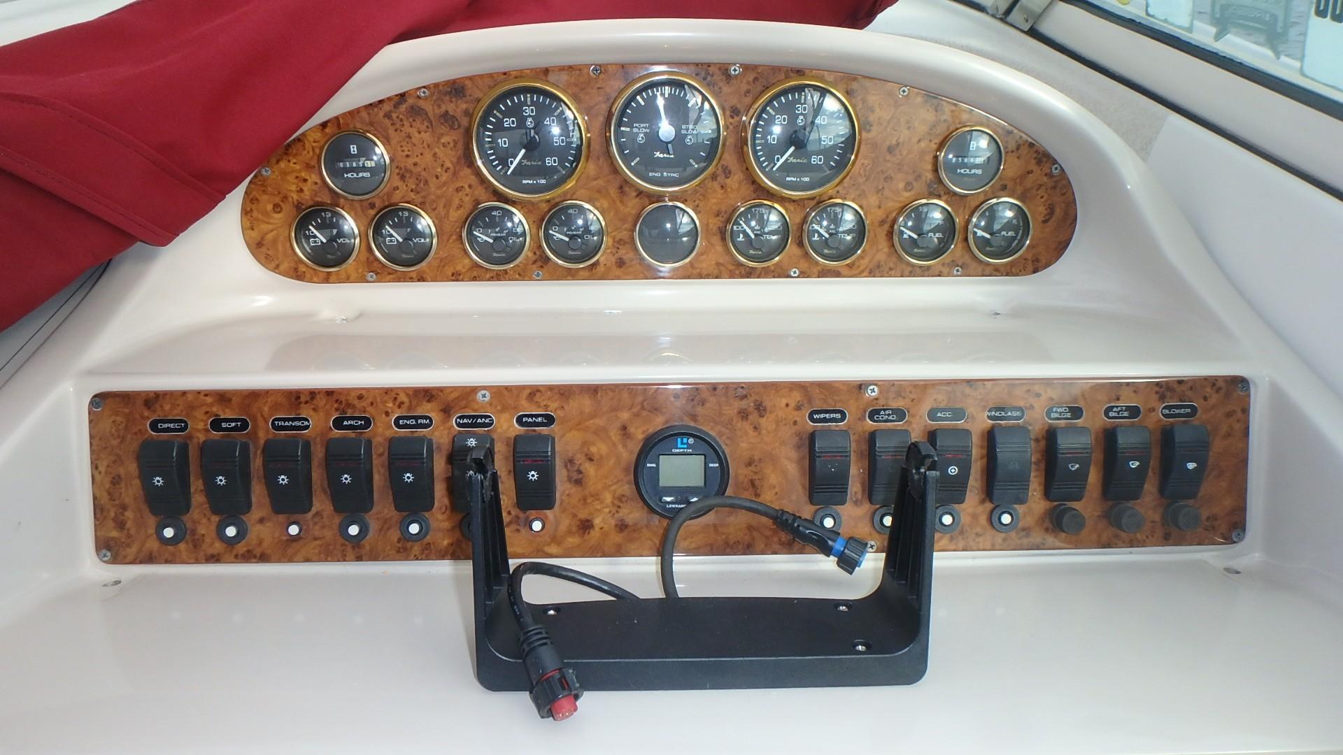 Regal 402 Commodore - Photo: #23