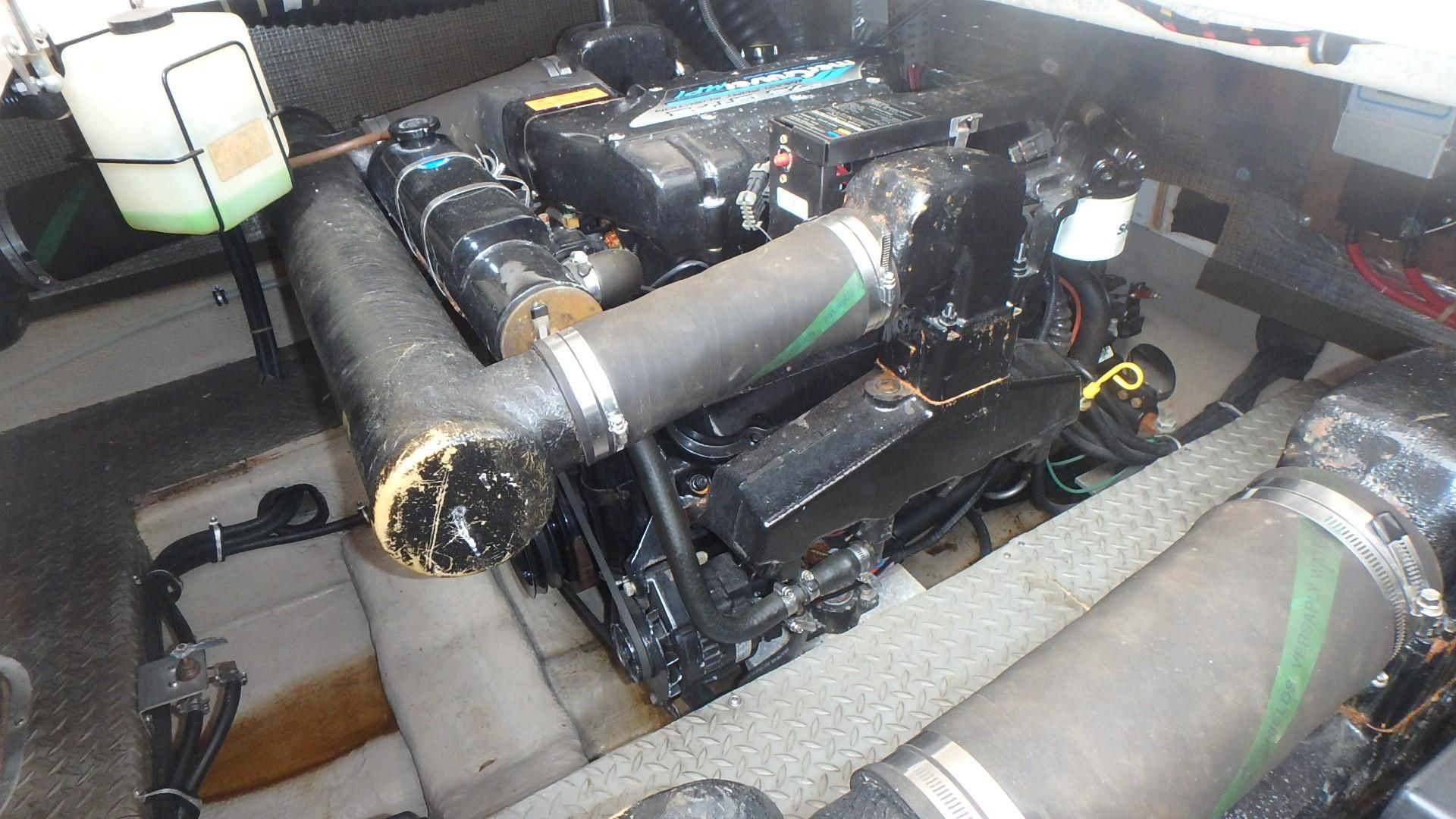 Regal 402 Commodore - Photo: #49