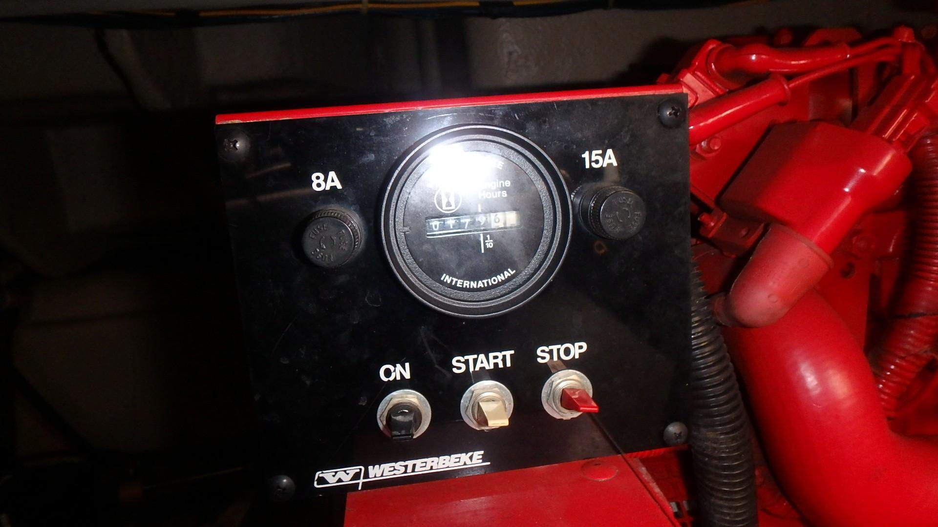 Regal 402 Commodore - Photo: #55