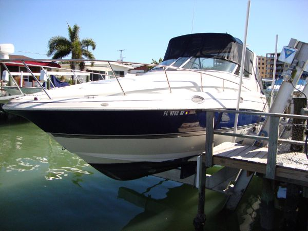 2007 Cruisers Yachts 280 CXi Express Location: St. Petersburg US. $96800.00