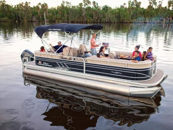 2020 Sun Tracker boat for sale, model of the boat is PARTY BARGE® 24 XP3 & Image # 56 of 60