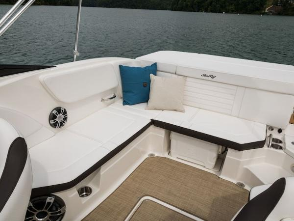 2020 Sea Ray boat for sale, model of the boat is SPX 230 & Image # 4 of 18