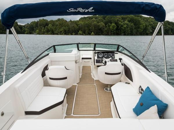 2020 Sea Ray boat for sale, model of the boat is SPX 230 & Image # 13 of 18