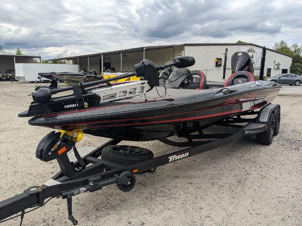 2020 Triton boat for sale, model of the boat is 20 TRX & Image # 2 of 17