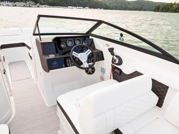 2020 Sea Ray boat for sale, model of the boat is SDX 270 OB & Image # 7 of 16