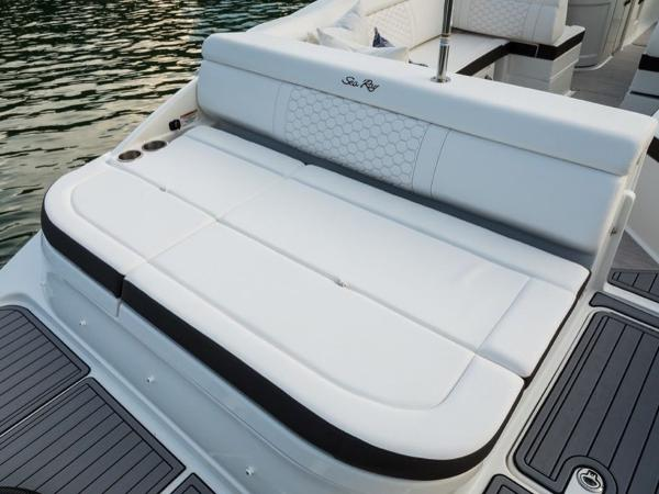 2020 Sea Ray boat for sale, model of the boat is SDX 270 OB & Image # 11 of 16