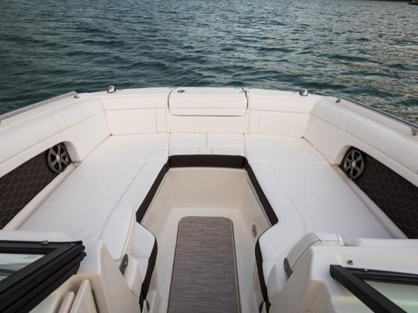 2020 Sea Ray boat for sale, model of the boat is SDX 270 OB & Image # 14 of 16